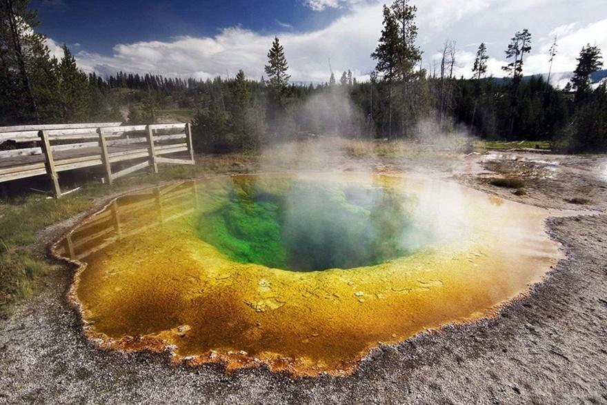 10 самых удивительных огромных отверстий в земле 0 14190f 681b70e5 orig