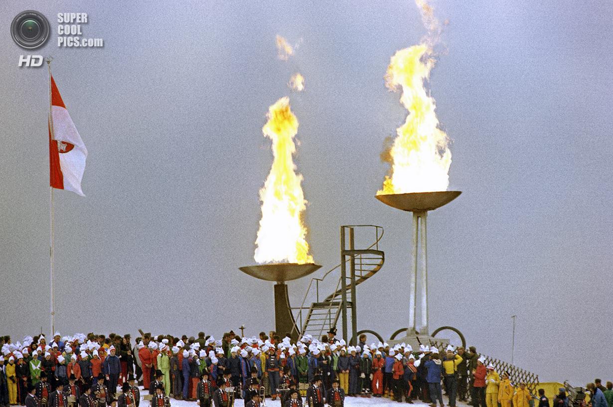 Австрия. Инсбрук, Тироль. 4 февраля 1976 года. Церемония открытия XII Олимпийских зимних игр. (AP Ph