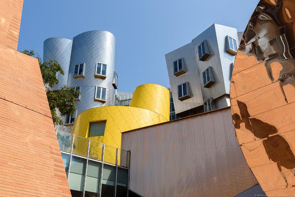 3. В Стата Центре находятся несколько лабораторий, самые интересные из которых — Лаборатория Информа