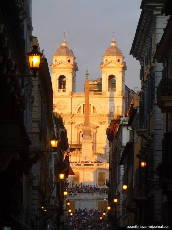Итальянская лестница и церковь Св. Троица на горах.