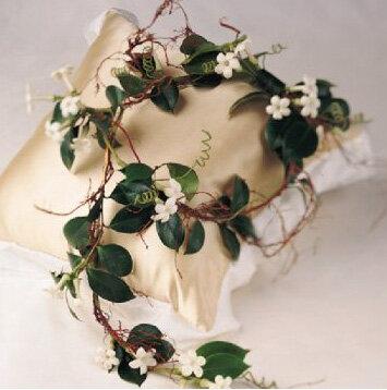 Подушки и подставки для свадебных колец