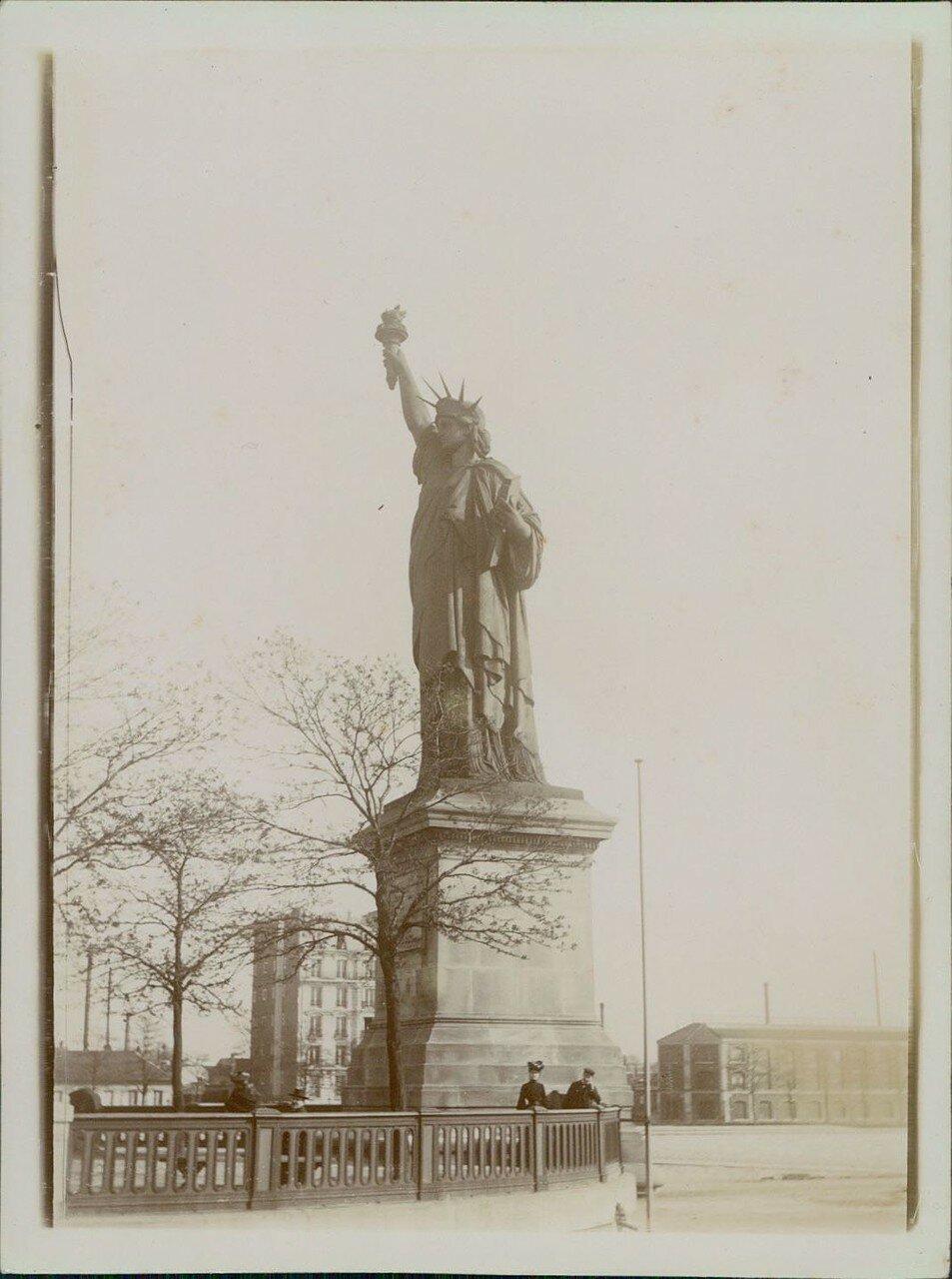 1900-е. Статуя Свободы на Лебедином острове