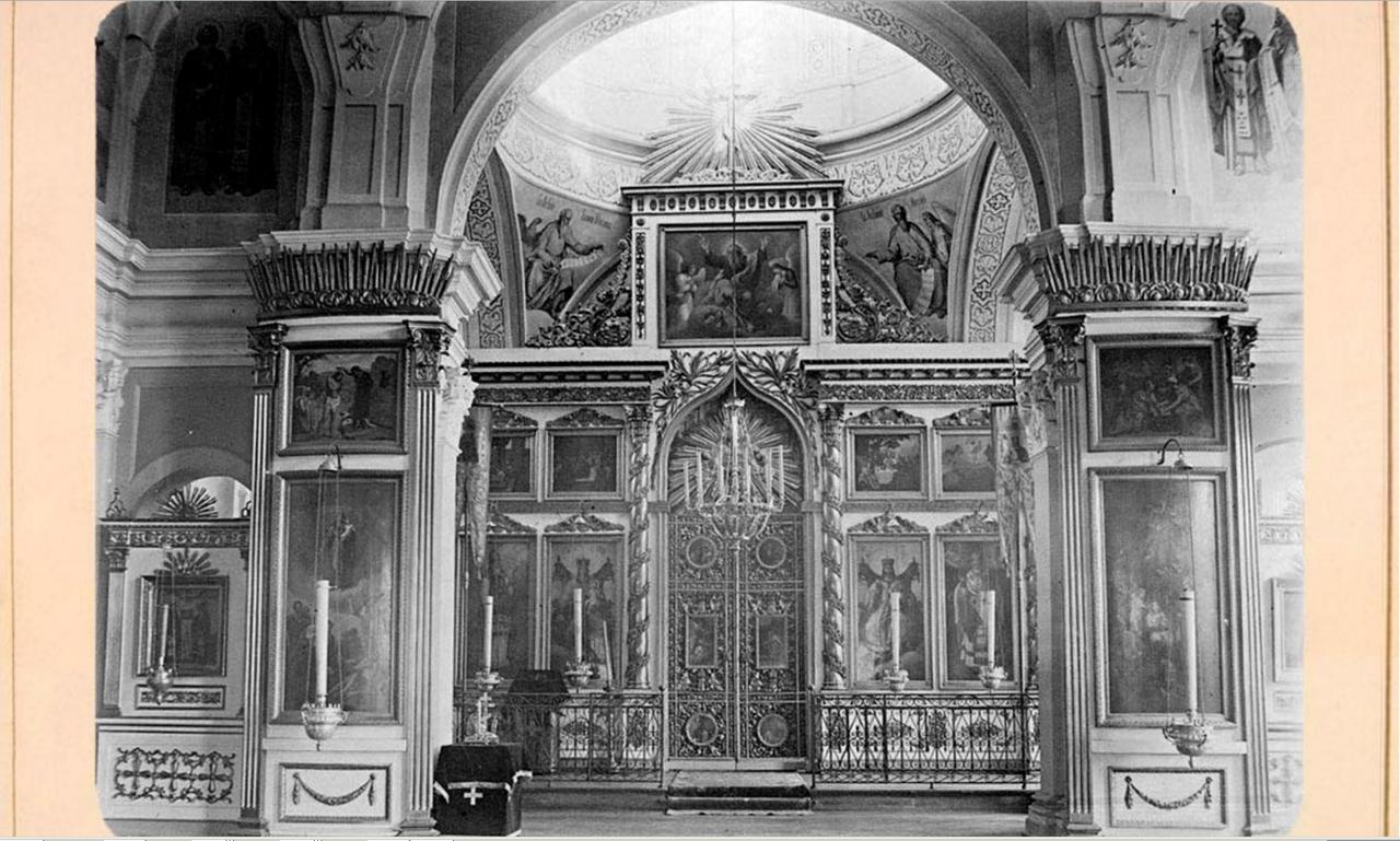 48. Феодоровская церковь, иконостас в верхнем храме св. Николая Чудотворца