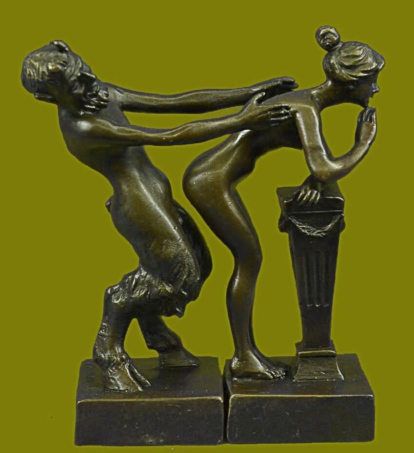 Голый Сатир и обнажённая девушка. Бронза. Франц Вальтер Бергманн (1898-1970)