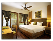 Малайзия. Лангкави. BerjayaLangkawi_Rainforest_Chalet_-_Room_Interior_-_Curtains_Closed