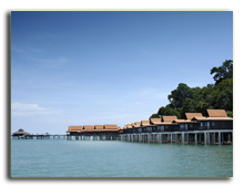 Малайзия. Лангкави. BerjayaLangkawi_Premier_Chalet_On_Water_-_Facade_Ocean_and_Sky