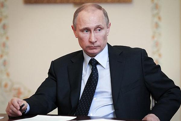 И.о. губернатора Калужской области Артамонов отчитался перед президентом