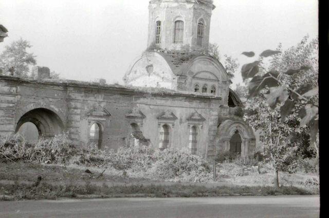 Руины и начало восстановления Покровского собора