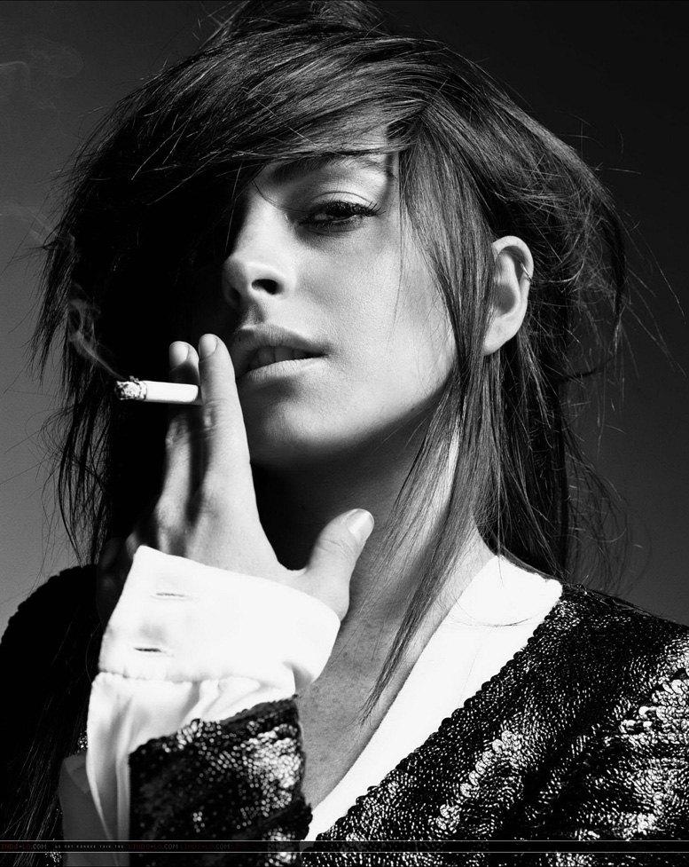 smoking Lindsay Lohan / Линдси Лохан с сигаретой