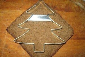 вырезать канапе в виде елки
