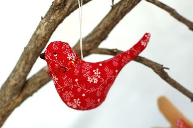красная птичка
