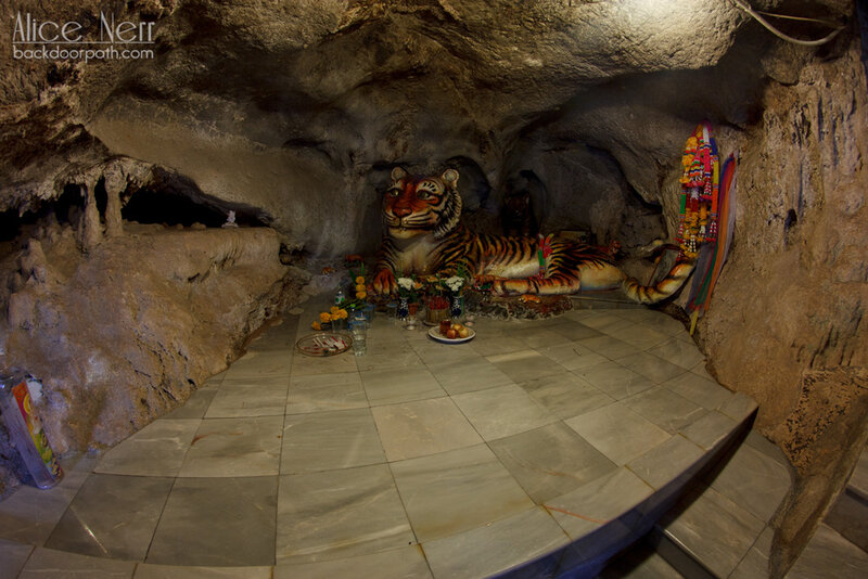 пещера тигра храм тигра