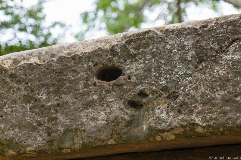Каменная плита дольмена Тор
