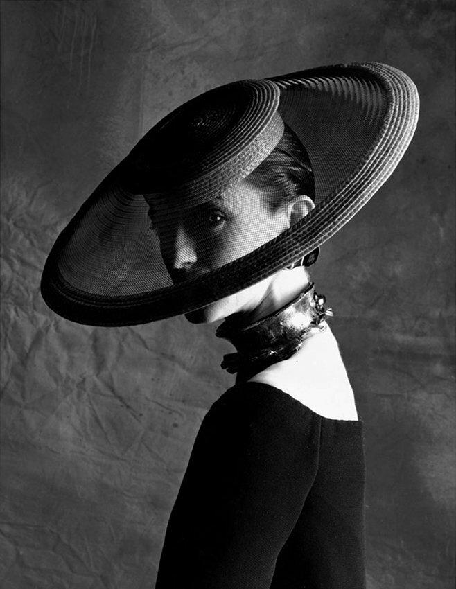 Днем рождения, картинки женщины в шляпках ретро