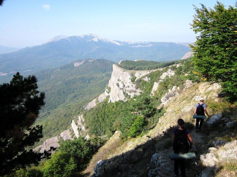 Тропа к скале Козырек