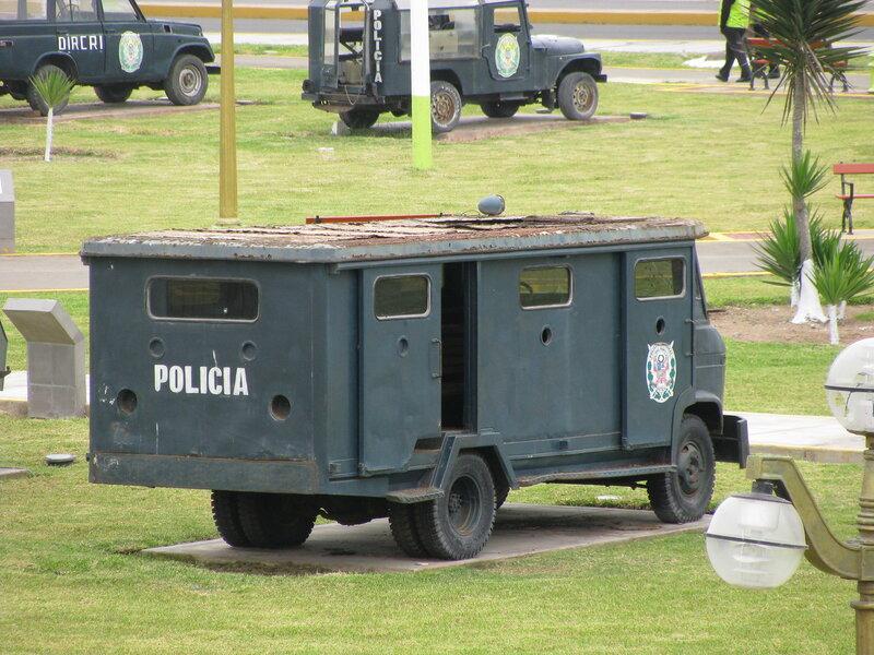 Перу - броневик 284.jpg