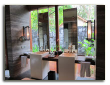 Малайзия. The Datai Langkawi. Beach Villa Bathroom - Double Vanity