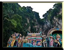 Малайзия. Куала-Лумпур. Пещеры Бату (Batu Caves). Фото andreasgradin - Depositphotos