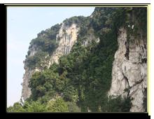 Малайзия. Куала-Лумпур. Пещеры Бату (Batu Caves). Фото Валерия Колесникова