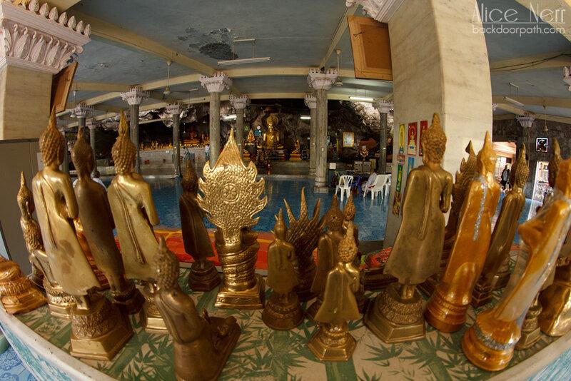 100500 статуэток Будды