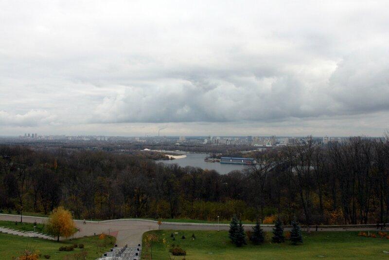 Вид из парка Славы на Днепр