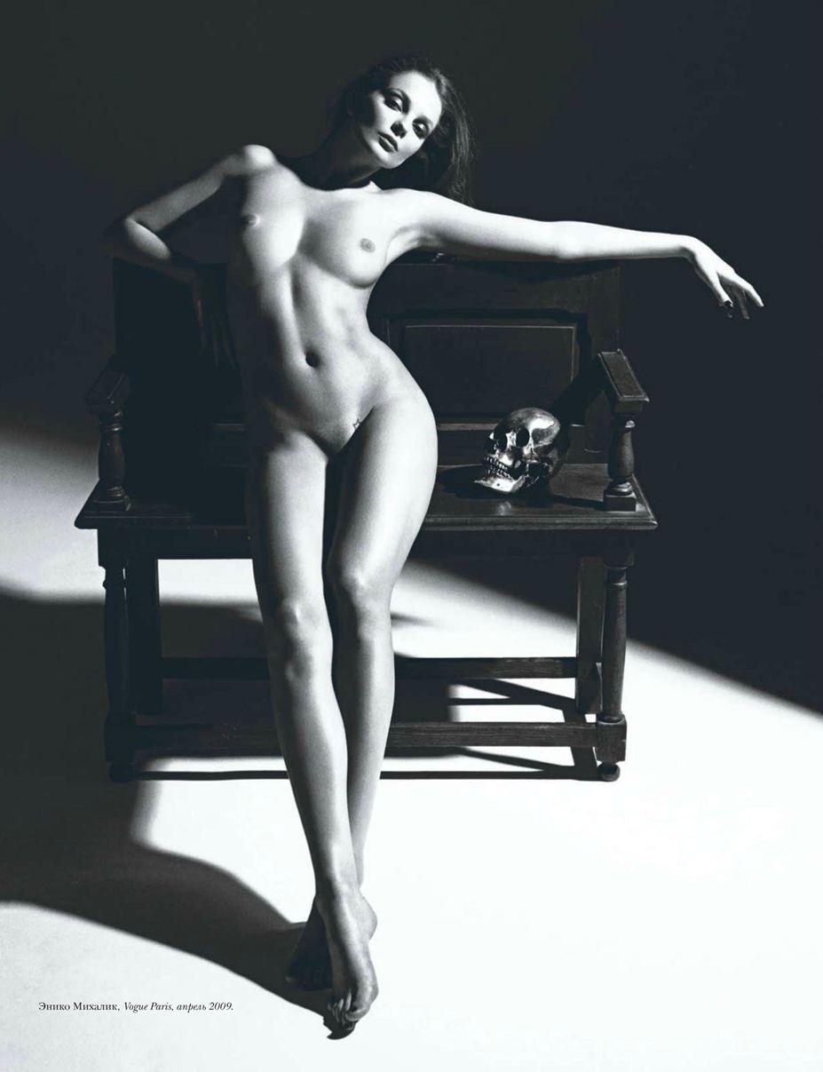 модель Eniko Mihalik / Энико Михалик, фотограф Mario Sorrenti / Эротика в Vogue, Россия спецвыпуск ноябрь 2012