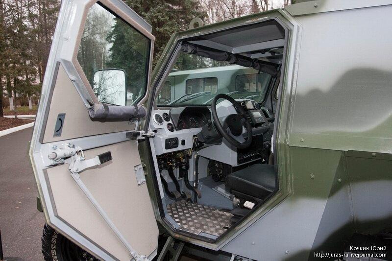Специальное транспортное средство СКОРПИОН-ЛША Б. Технический облик военного автомобиля многоцелевого назначения XXI века