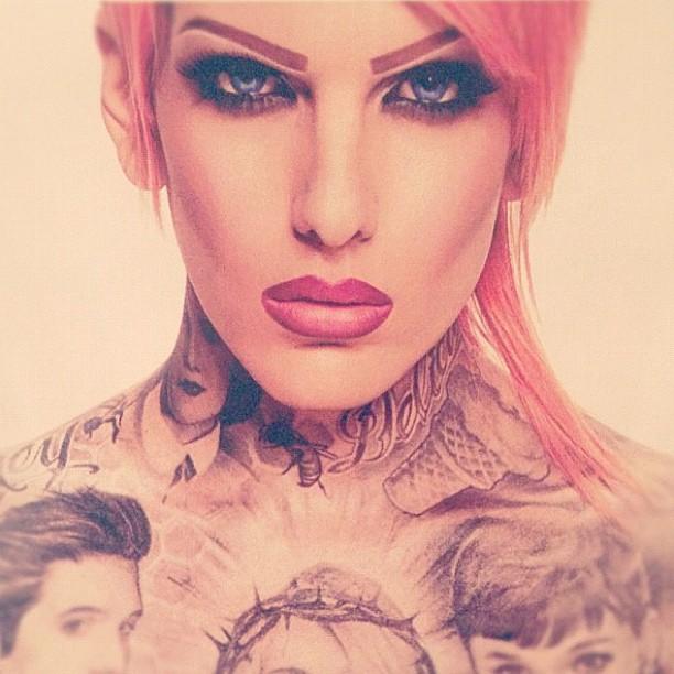 Jeffree Star Hand Tattoos Instagram.com/jeffreestar
