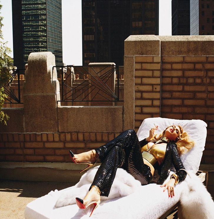 Kate Upton / секс-бомба Кейт Аптон на нью-йоркской крыше, фотограф Steven Meisel / Vogue Italia ноябрь 2012