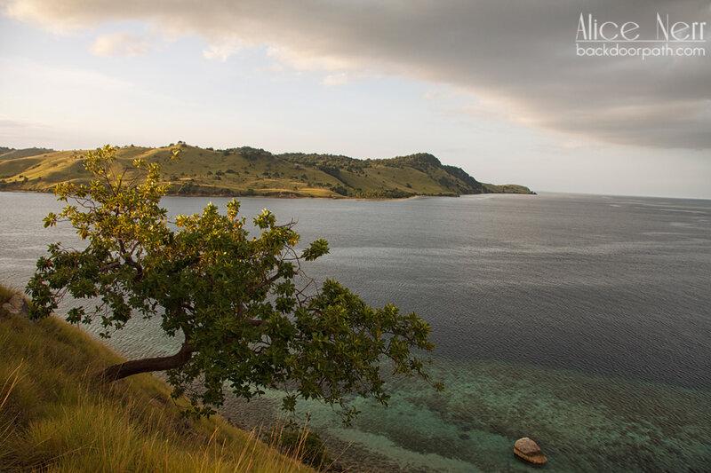 виды острова Серайя, Индонезия