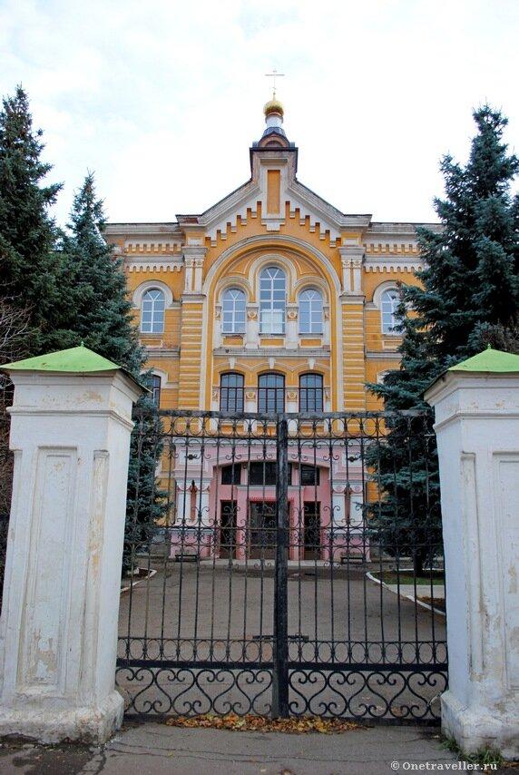 Здание Оренбургской духовной семинарии (1884 г.)