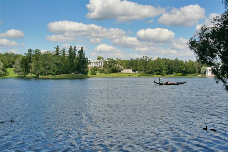 Екатерининский парк, гондола на Большом пруду