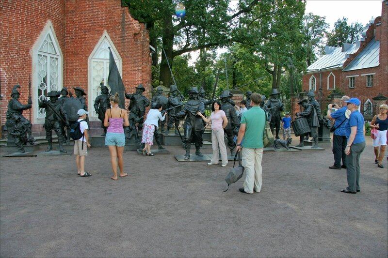 Александр Таратынов и Михаил Дронов, Ночной дозор