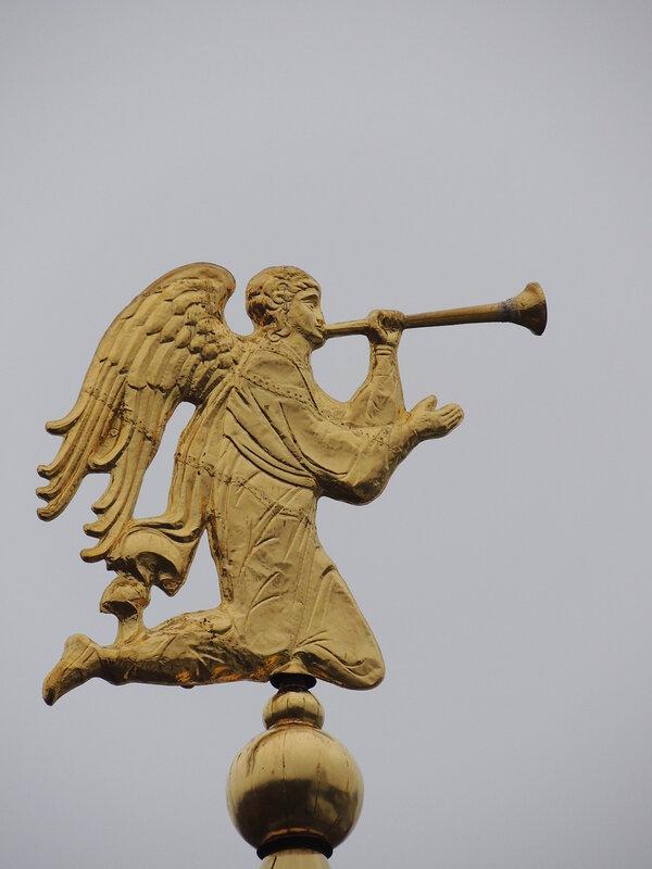 Ангел Высоцкого монастыря
