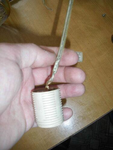 Фото 14. Провод кухонного подвеса необратимо повреждён в результате короткого замыкания.