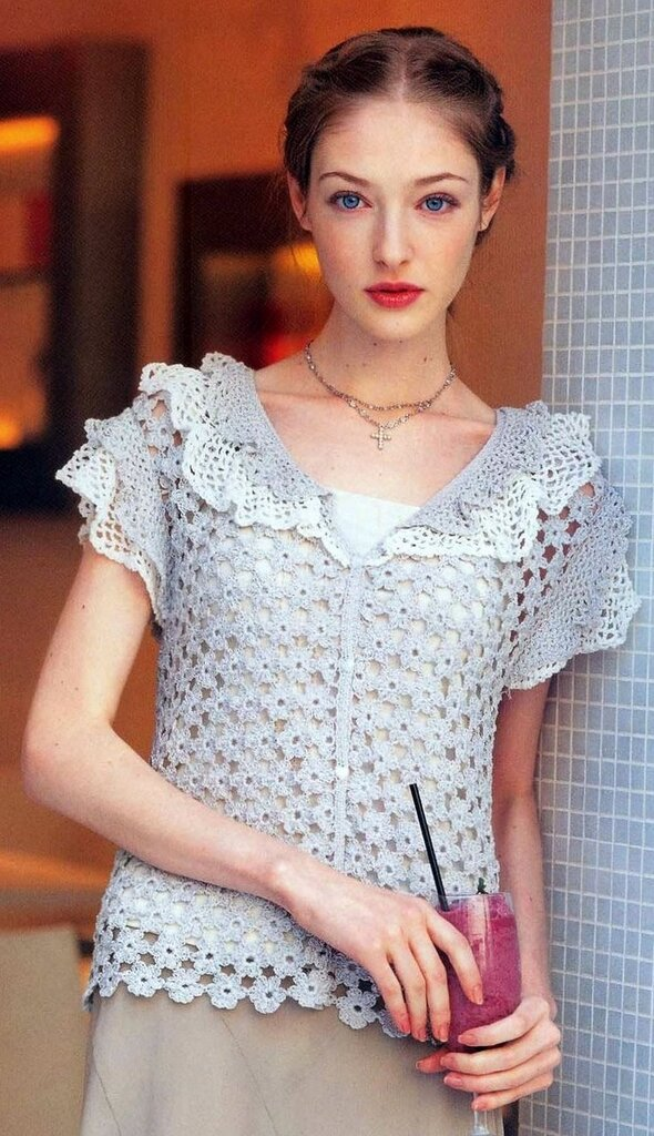 Free Crochet Patterns For Women s Shell Tops : Crochetpedia: Crochet Tshirt Blouse