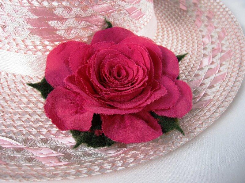 Роза с шёлковыми лепестками