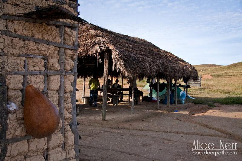 лагерь первой ночевки по пути к Рорайме