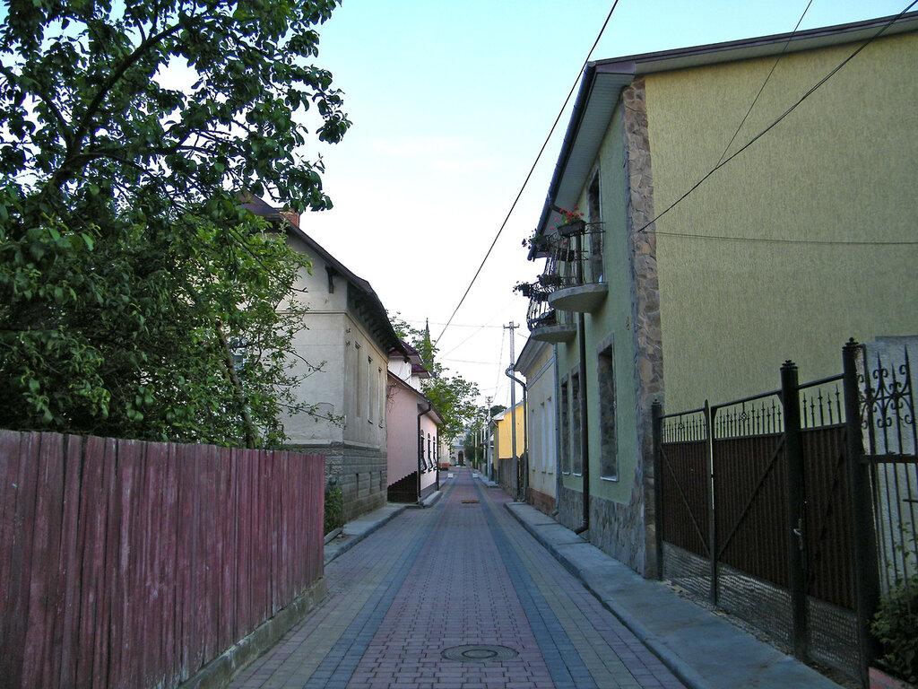 Стрый