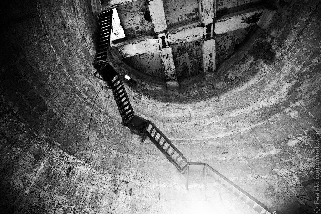 Заброшенная водонапорная башня