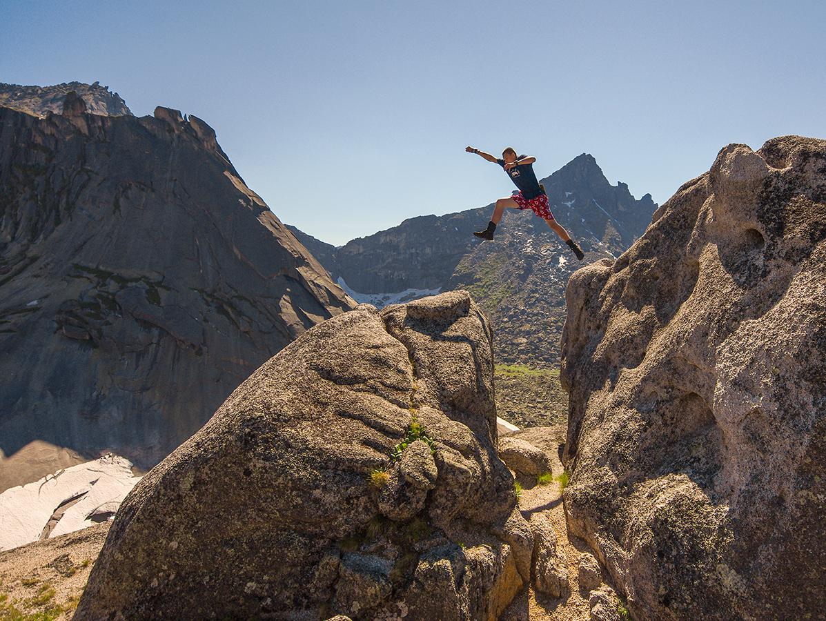 Кирилл в прыжке