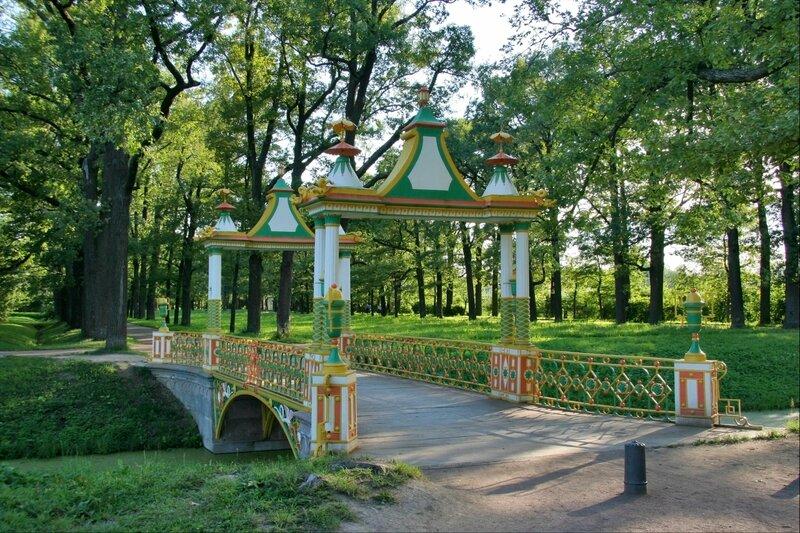 Китайские мостики в Новом саду Александровского парка