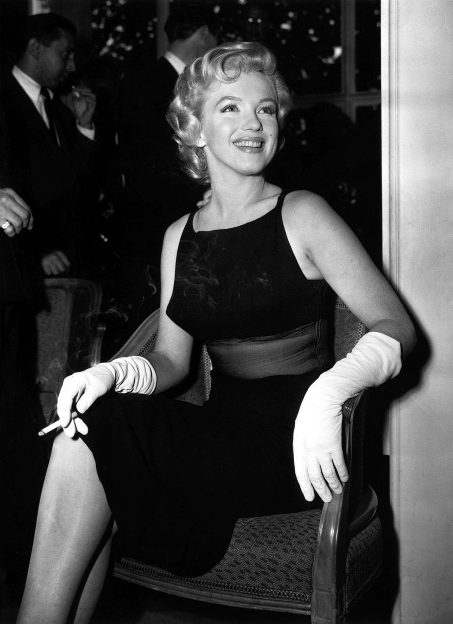 smoking Marilyn Monroe / Мерилин Монро с сигаретой