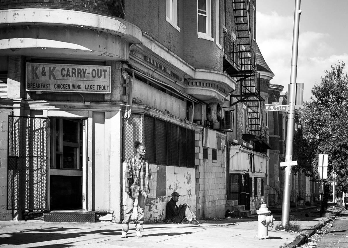 Неулыбчивая Америка: Черно-белая жизнь в бедных кварталах современного Балтимора (32)