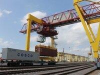 С Усть-Лужского Контейнерного Терминала (УЛКТ) по железной дороге отправлены первые импортные контейнеры.