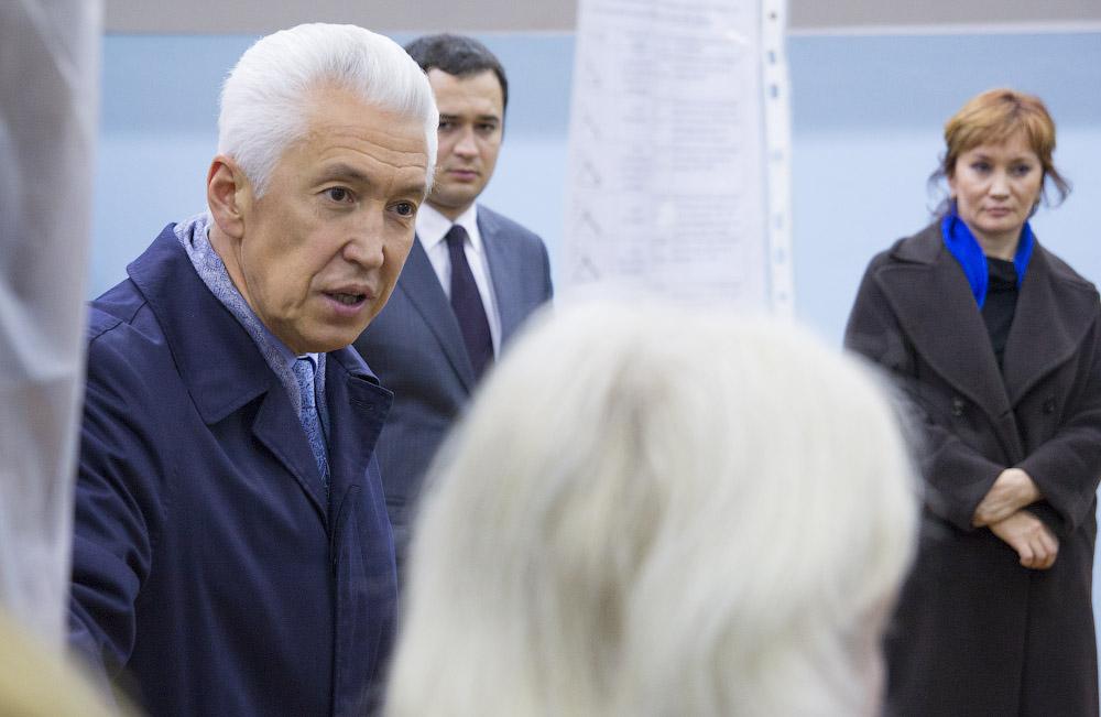 Депутат Владимир Васильев  посетил Тверскую швейную фабрику