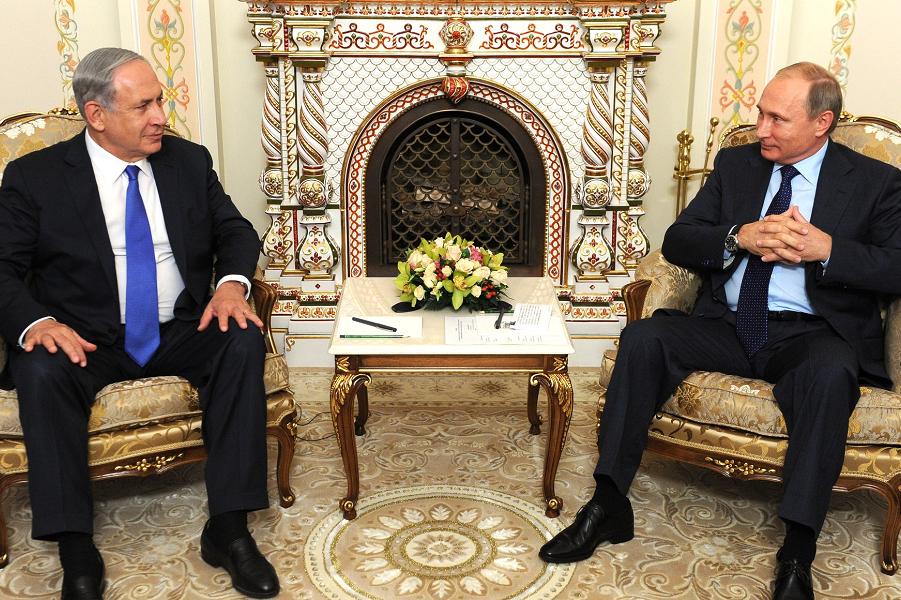 Путин принимает Нетаньяху в Ново-Огарево, 21.09.15.png