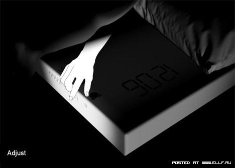 Встраиваем электронный будильник в простынь