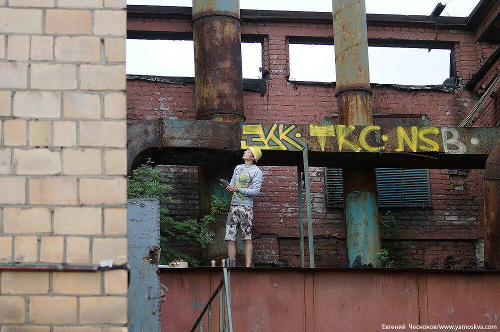 Лето. ЗИЛ. граффити. 23.07.15.36..jpg