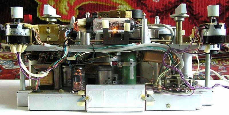 """Страница о магнитофоне  """"Яуза-6 """" дополнена описанием и электрической схемой магнитофона приведённой в журнале."""